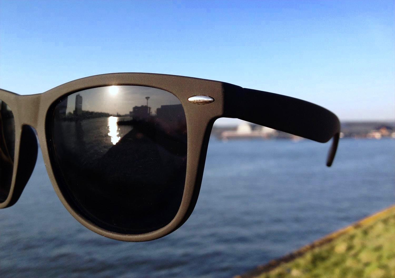 65cc3a1625f435 Matzwarte-Wayfarer-Rubber-zonnebril-kopen-bij-Brillenkopen-nl-